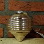 26.-Landelijke-decoratie-kerstbal-bijenkorf