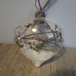 Glazen kerstbal, ui, landelijke decoratie, kerstdecoratie, kerstballen