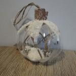 Kerstbal met sneeuw, landelijke decoratie, kerstballen, kerdecoratie
