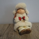 Winterkindje meisje, 15 cm, landelijke decoratie